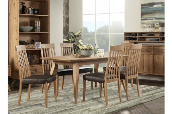 intage American Oak Dining Table (1650x950)